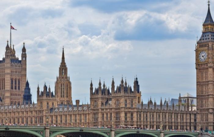 [22/9] CƠ HỘI HỌC BỔNG VÀ GIAO LƯU VỚI ĐẠI DIỆN ĐH HOÀNG GIA LONDON (#2 UK, #7 TG)